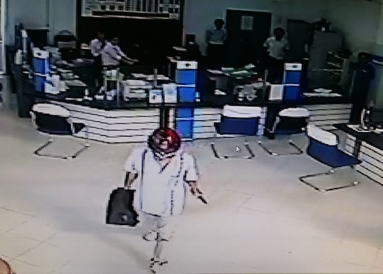 Tình tiết nào trùng hợp từ 2 vụ cướp ngân hàng ở miền Tây? - Ảnh 4.