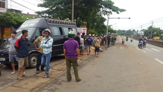 Trên đường đi học, 1 học sinh chết thảm dưới bánh xe tải - Ảnh 1.