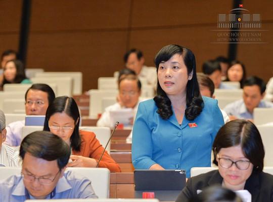 Chủ tịch LĐLĐ TPHCM đề xuất sửa luật để bình đẳng lương hưu nữ và nam - Ảnh 1.