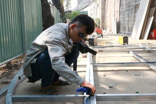 Hà Nội: Chưa đục mà vẽ bích họa lên vòm cầu đường sắt - Ảnh 3.