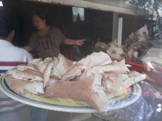 Xuyên Sài Gòn ăn cho được bún nước lèo Trà Vinh - Ảnh 2.