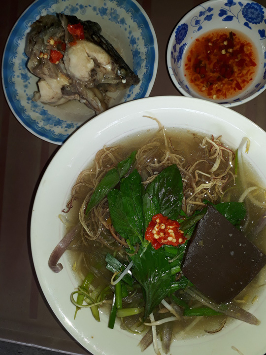 Xuyên Sài Gòn ăn cho được bún nước lèo Trà Vinh - Ảnh 6.