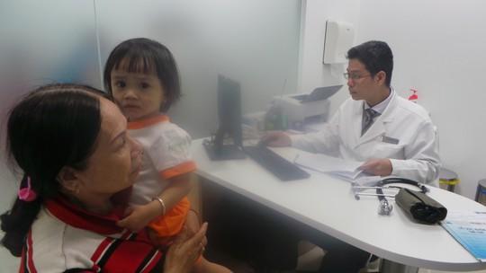 Mô hình tiêm vắc xin mới cho người dân TP HCM - Ảnh 1.