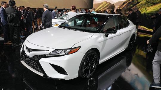 Hình ảnh thực tế Toyota Camry 2018