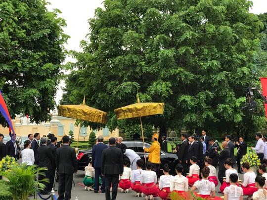 Trang trọng lễ đón Tổng Bí thư tại Hoàng cung Campuchia - Ảnh 16.
