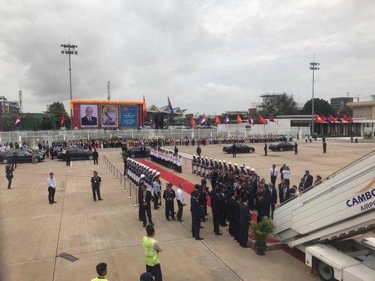 Trang trọng lễ đón Tổng Bí thư tại Hoàng cung Campuchia - Ảnh 2.