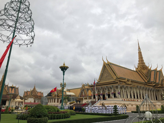 Trang trọng lễ đón Tổng Bí thư tại Hoàng cung Campuchia - Ảnh 20.