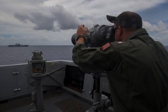 Tàu chiến Mỹ cập Cảng quốc tế Cam Ranh - Ảnh 3.