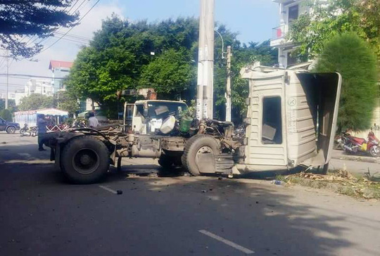 Xe container gây tai nạn nghiêm trọng trong KCN Tân Bình - Ảnh 2.