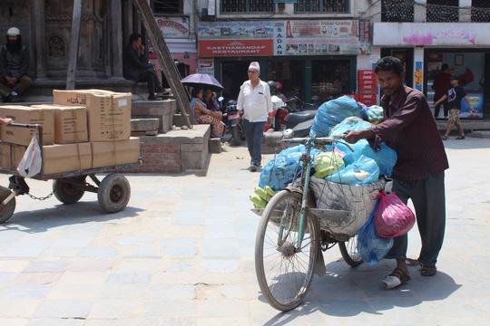 Nepal: Lạc lối ở Thamel - Ảnh 10.