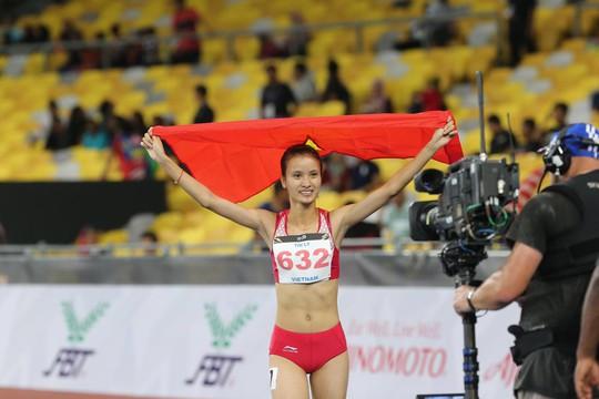 SEA Games ngày 23-8: Cú đúp vàng của Lê Tú Chinh - Ảnh 7.