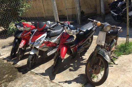 Bắt tên trộm nằm vùng 3 ngày, lấy 6 chiếc xe máy - Ảnh 2.