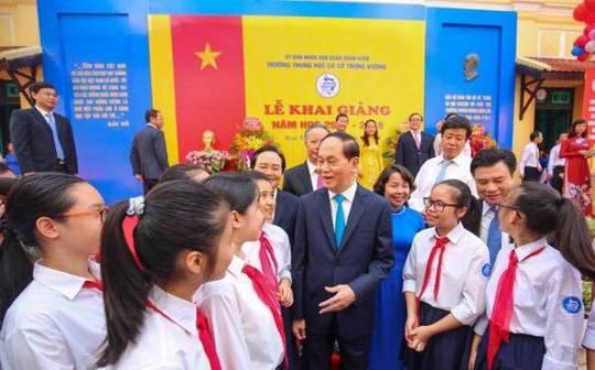 Chủ tịch nước Trần Đại Quang tươi cười chào mừng học sinh - Ảnh 3.