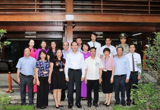 Chủ tịch nước dâng hương tưởng niệm Chủ tịch Hồ Chí Minh - Ảnh 2.