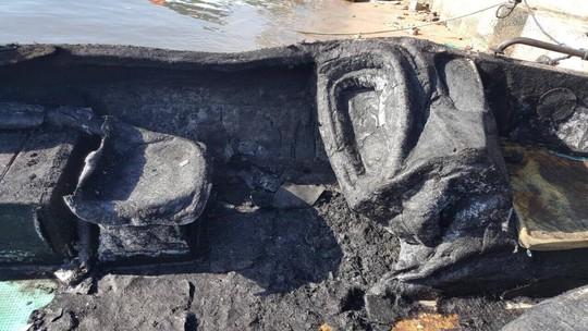 Ca nô chở khách đi Điệp Sơn nghi bị đốt cháy vì cạnh tranh - Ảnh 3.