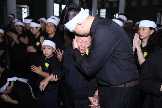 Nghẹn ngào xúc động lễ tang Thầy Văn Như Cương - Ảnh 2.