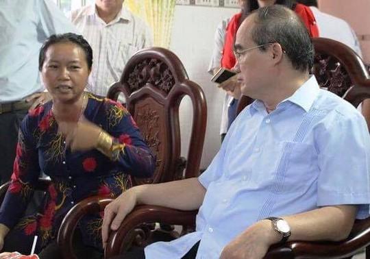 Người nuôi heo than với Bí thư Thành ủy TP HCM - Ảnh 1.