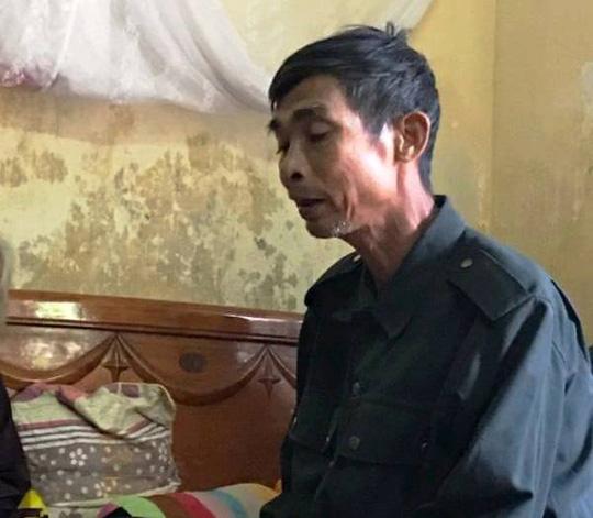 Những vòng hoa trắng tiễn đưa phóng viên Đinh Hữu Dư về đất mẹ - Ảnh 10.