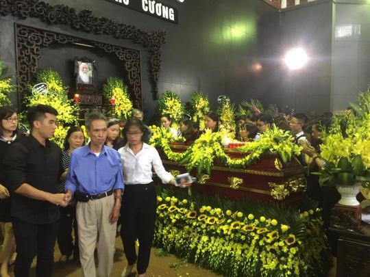 Nghẹn ngào xúc động lễ tang Thầy Văn Như Cương - Ảnh 14.