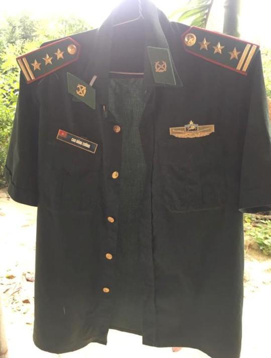 Tìm thấy quần áo, ví da của Thượng tá biên phòng mất tích - Ảnh 1.