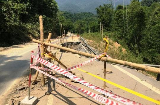 Quốc lộ gần 100 triệu đô ở Thanh Hóa sụt lún kinh hoàng - Ảnh 1.