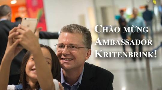 Tháp tùng Tổng thống Donald Trump, tân Đại sứ Mỹ Daniel Kritenbrink tới Hà Nội - Ảnh 1.