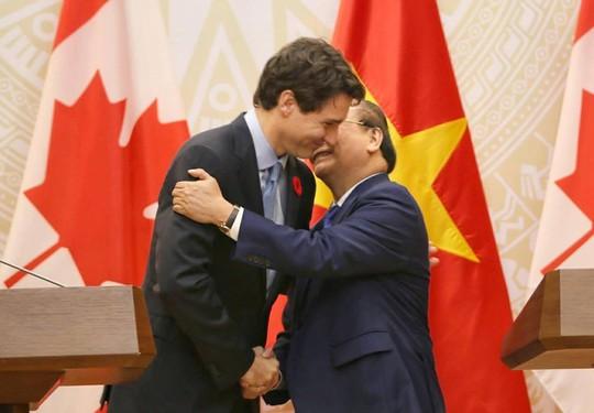 Thủ tướng Việt Nam - Canada nắm chặt tay nâng cấp quan hệ - Ảnh 3.