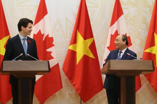 Thủ tướng Việt Nam - Canada nắm chặt tay nâng cấp quan hệ - Ảnh 4.