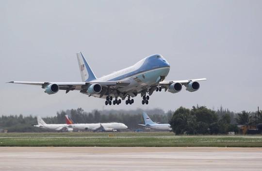 APEC 2017: Tổng thống Mỹ rời Đà Nẵng, bay đến Hà Nội - Ảnh 13.