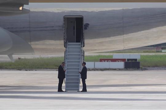 APEC 2017: Tổng thống Mỹ rời Đà Nẵng, bay đến Hà Nội - Ảnh 8.