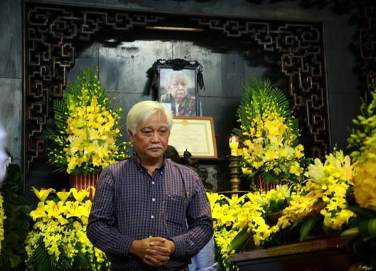 Tổng Bí thư gửi vòng hoa viếng cụ Hoàng Thị Minh Hồ - Ảnh 6.