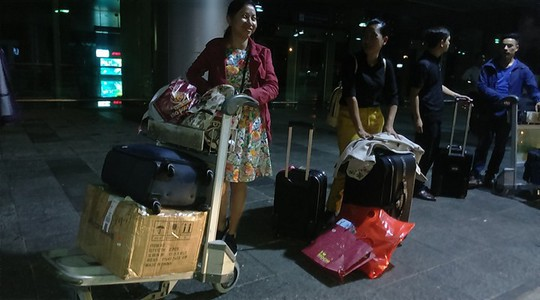 Hành khách bức xúc vì sân bay Cần Thơ không cho taxi vào rước khách - Ảnh 1.