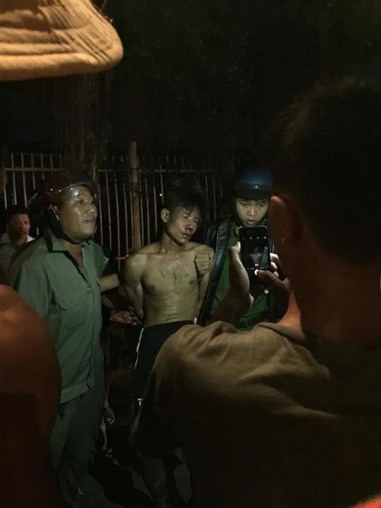 Bắt thanh niên ngáo đá đâm CSGT, đe dọa giết thai phụ - Ảnh 1.