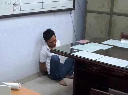 Cha mẹ la hét cứu con trai nghi bị bắt cóc ở Nha Trang - Ảnh 1.