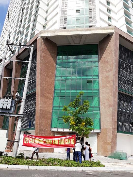 Khách hàng đòi Mường Thanh Khánh Hòa giao căn hộ - Ảnh 1.