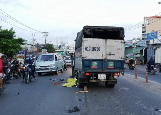 Xe máy lấn tuyến tông xe tải, một thanh niên tử vong - Ảnh 1.