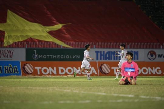 Hòa tiếc nuối Thái Lan, U19 giúp U21 Việt Nam vào chung kết - Ảnh 3.