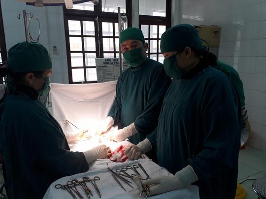 Thai phụ mang u nang buồng trứng khủng 2 kg - Ảnh 1.