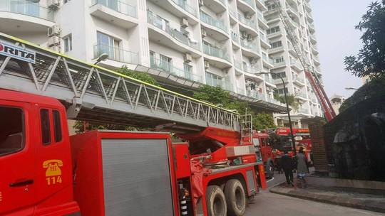 Cháy lớn tại chung cư hạng sang Golden Westlake - Ảnh 9.