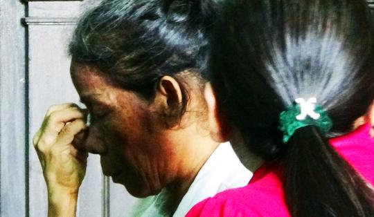 Hai bị cáo buôn người khóc nức nở suốt phiên tòa phúc thẩm.