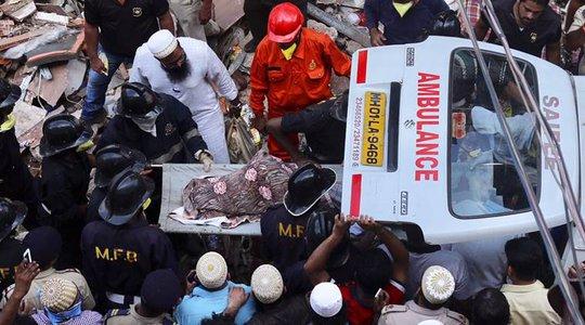 Lật xe buýt, 12 nữ sinh thiệt mạng - Ảnh 2.