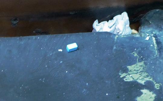 Đột kích 3 quán bar, tạm giữ 43 người dương tính với ma túy - Ảnh 9.