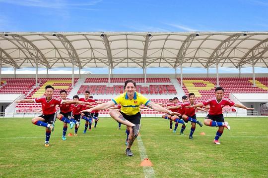 PVF khai trương cơ sở mới - tổ chức giao hữu quốc tế và bổ nhiệm giám đốc bóng đá - Ảnh 3.