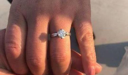 Lật tung 13 tấn rác, tìm nhẫn kim cương hơn 16.000 USD - Ảnh 3.