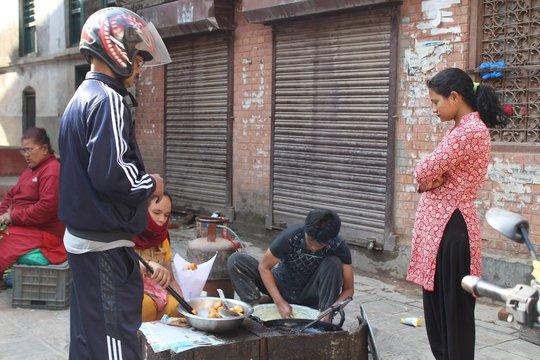 Nepal: Lạc lối ở Thamel - Ảnh 5.