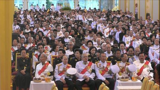 Thái Lan: Thi hài cố quốc vương được đưa vào tháp hỏa táng - Ảnh 9.