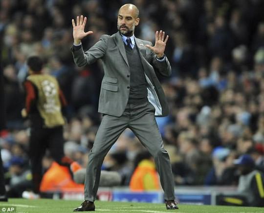 Guardiola: Tôi thà nghỉ hưu chứ không dựng xe buýt! - Ảnh 1.