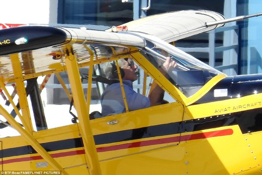 Ông thường lái máy bay 1 động cơ