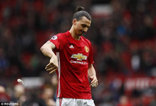 Ibrahimovic đá hỏng phạt đền khiến M.U bị Bournemouth cầm hòa tối 4-3
