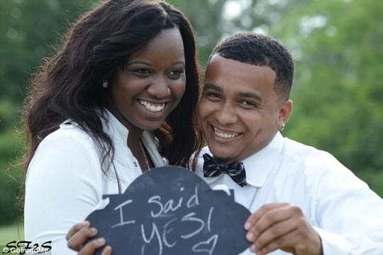 Fredzania Thompson đã đính hôn